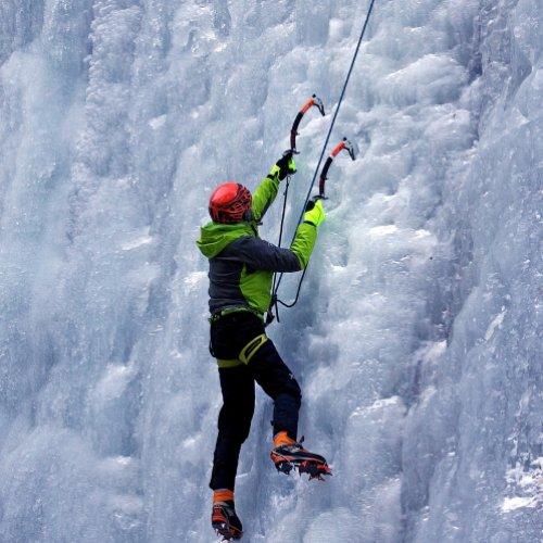 mysnowmaps - Abbigliamento e attrezzatura per l'arrampicata su cascate di ghiaccio